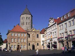 Paderborner Markt mit Gaukirche